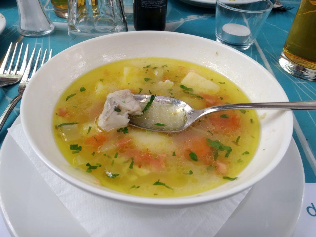 Zupa rybna w Paros