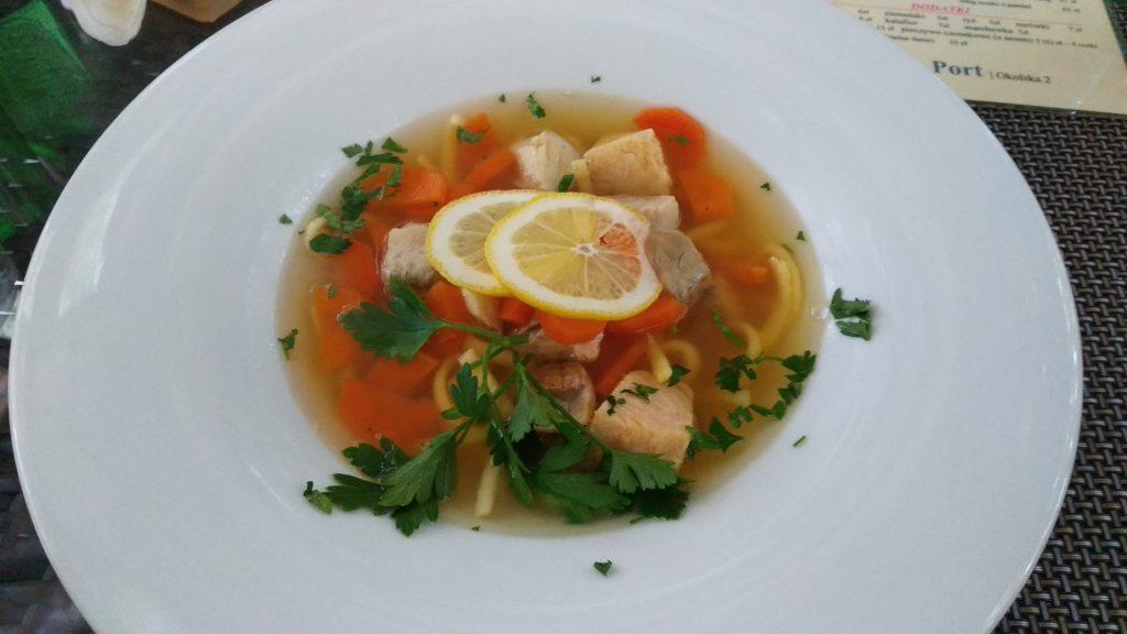 Warszawska zupa rybna w Boston Port
